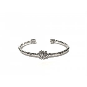 Rigid five diamonds bracelet